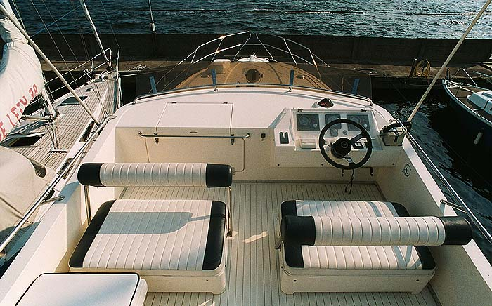 Princess 415 Flybride Motor Yacht With Side Cabin 2 X